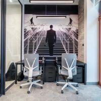 Biurka w inkubatorze przedsiębiorczości